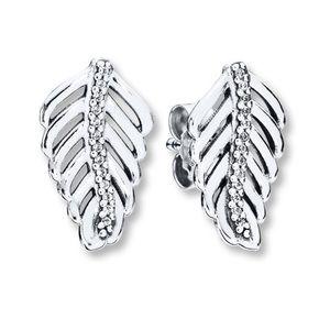 PANDORA Shimmering Feathers Stud Earrings